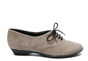 Flat (ish) vegan lace up oxfords