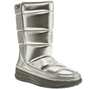 Vegan snow boots