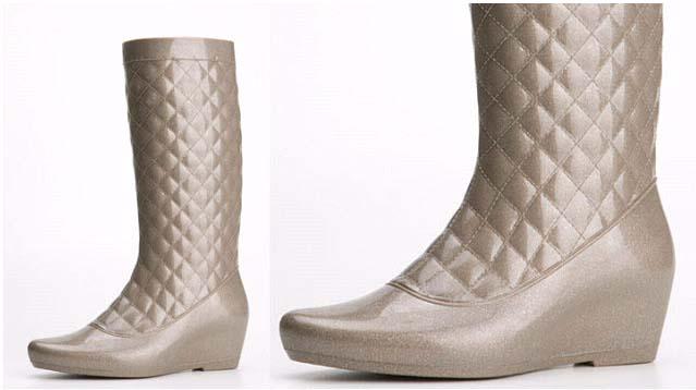 Vegan shiny fashion statement rain boots