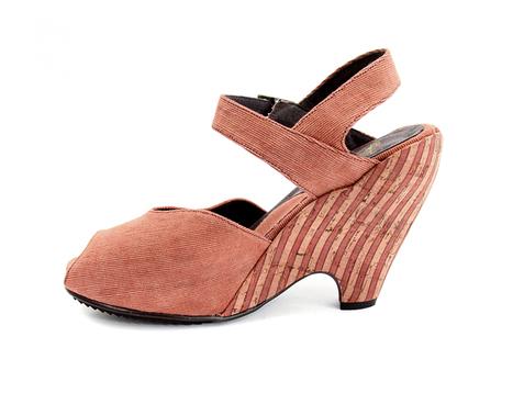 Awesome vegan pin up inspired peep toe heels