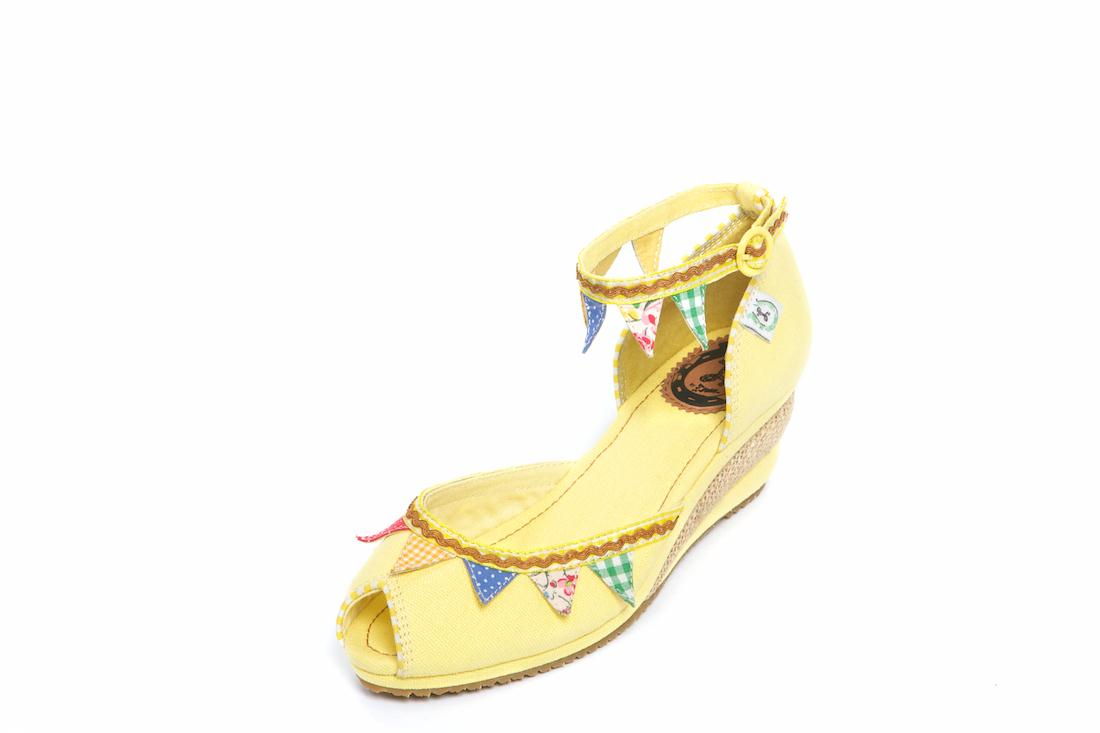 Vegan summer peep toes…with bunting!